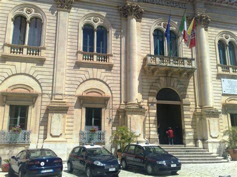 comune di ragusa ufficio anagrafe cronaca carabinieri operazione antiassenteismo al comune