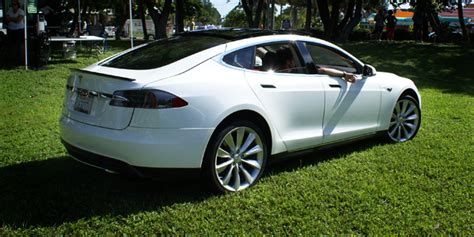 Sell Tesla Charged Evs Legislators Introduce Bill To Let
