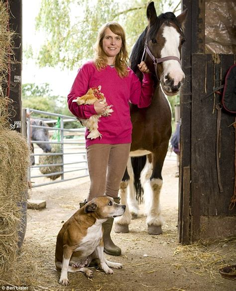 creature comforts horse inspirational women of the year fiona oakes ran across