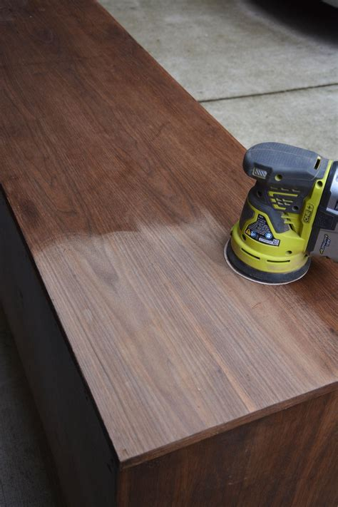 How Long Does Varnish Take To Dry Wood