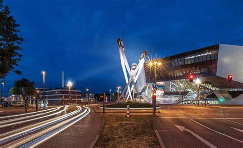 porsche puts 911 sculpture on roundabout in