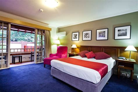 rooms for canberra hotel accommodation superior room mercure canberra