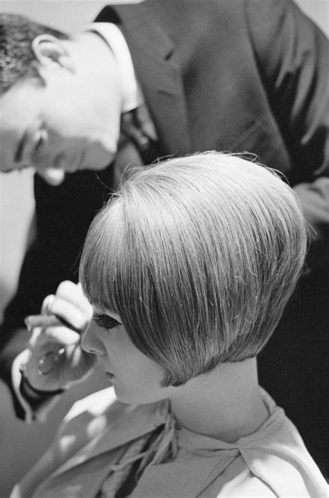 hot waitress hairstyles 103 best 60 s british invasion images on pinterest
