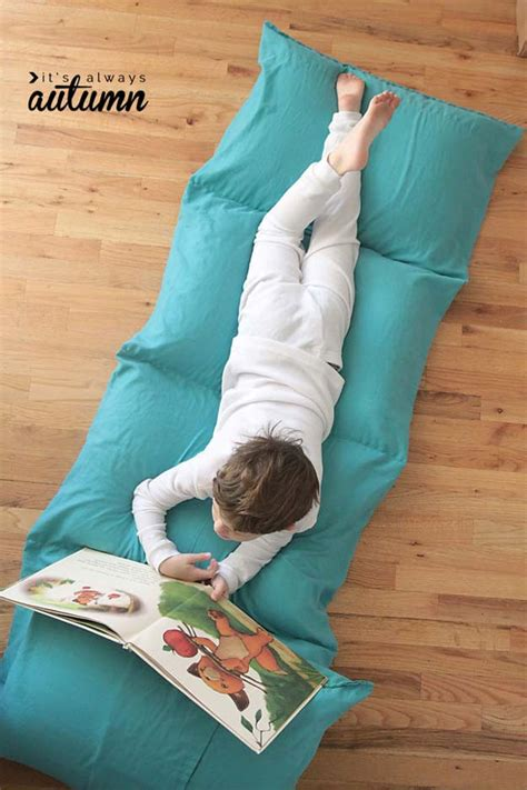 how to make a pillow bed 45 fun diy pillows diy projects for teens
