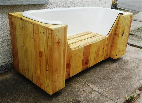bench made with pallets old bathtub and pallets into pallet bench 101 pallets