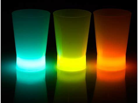 bicchieri luminosi bicchieri luminosi da shottino fluo glow 3 pezzi