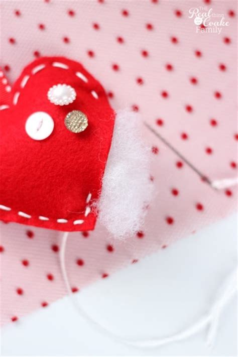 valentines day garland diy felt and buttons s day garland