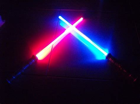 Pedang Wars Light Saber Lightsaber Lightdaggers lot 2 led fx lightsaber light saber sword wars changes color when struck ebay