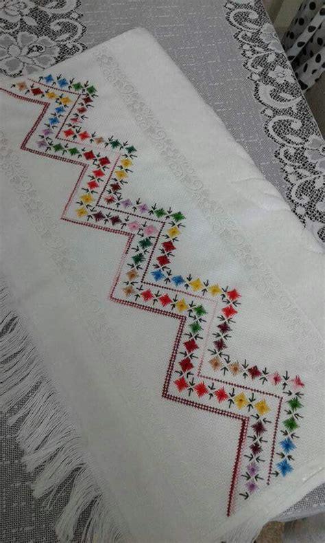 cenefas geometricas punto de cruz 2071 best toallas images on pinterest embroidery