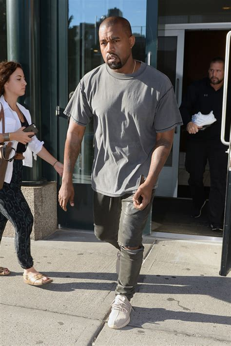 Topi Kanye Yezzy kanye west s yeezy season 2 arrivals and front row photos footwear news