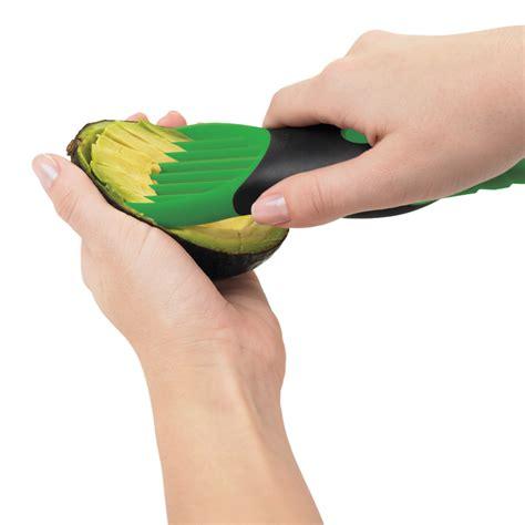 Easy 3 In 1 Avocado Slicer Pemotong Alpukat 3 in 1 avocado slicer oxo