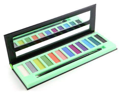 New La Brick Eyeshadow la brick eyeshadow palette launches at harmons musings of a muse