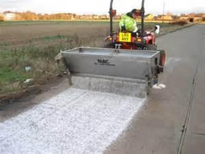 Salt spreader 2m vgc 163 2 750 blec uk