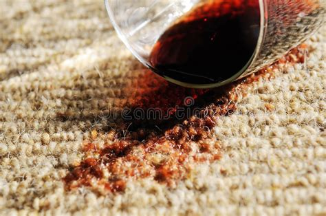 how to get wine out of wool rug wine stains out of wool carpet home everydayentropy