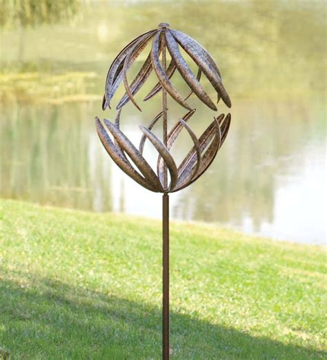 Wind Spinners For Garden by 17 Best Ideas About Wind Spinners On Garden