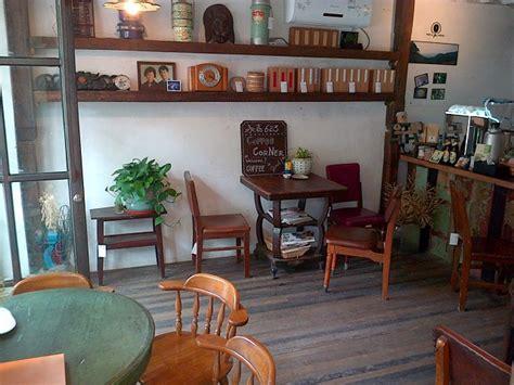 gaya desain coffee shop rumahan hadirkan kedai kopi pribadi  nyaman  rumah