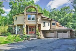 290 dunkerhook rd paramus nj 07652 home for sale and