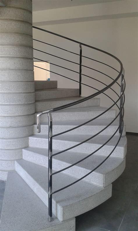 scorrimano o corrimano corrimano scale corrimano per scale interne in legno