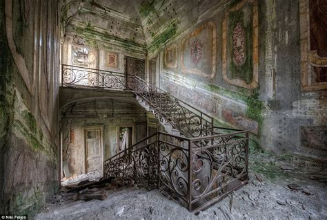 haunting   abandoned mansions  time stands
