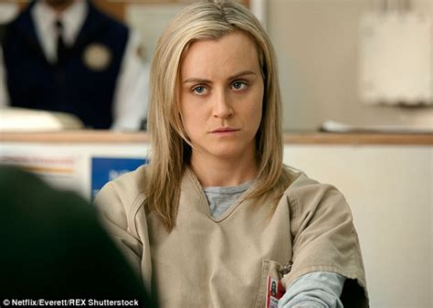 taylor schilling talks orange is the new black graphic taylor schilling reveals what family thinks about oitnb s