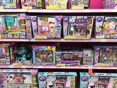 pet shop toys r us toys r us shop run and journey haul american
