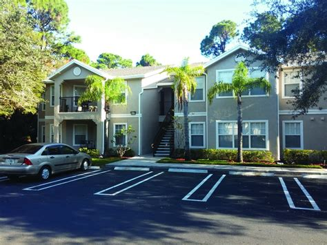 palm beach appartments woodlake apartments trg management company llptrg