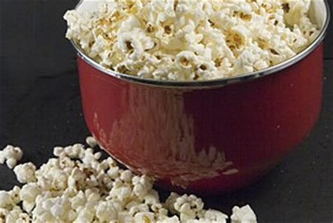 carbohydrates in popcorn how many carbohydrates are in popcorn healthy