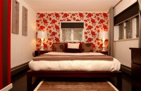 Tapete Hinter Bett by Wandgestaltung Mit Gemusterten Tapeten 13 Deko Ideen