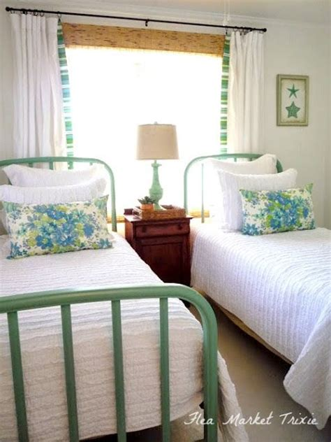 twin bed ideas for small rooms best 25 twin beds ideas on pinterest girls twin bedding