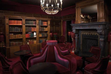Bar de la Maison Souquet : l'univers feutré d'une ancienne