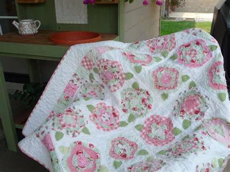 pattern for french rose quilt french rose quilt pattern sewing pinterest quilt