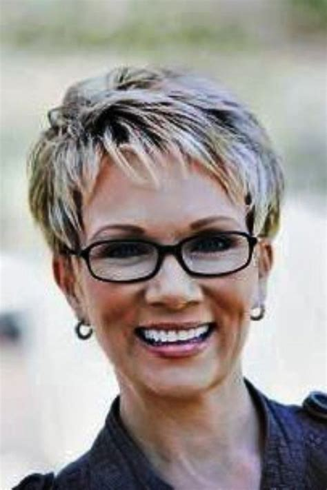 Short Hairstyles For Thinning Hair 2015