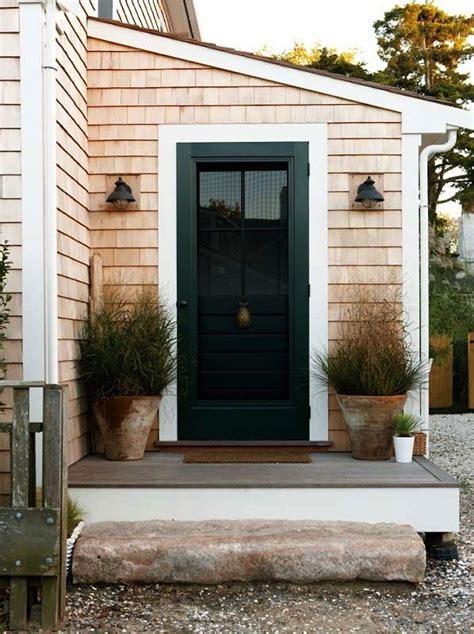 Front Door Mudroom This Look A Stylish Stoop For A Nantucket Saltbox Gardenista