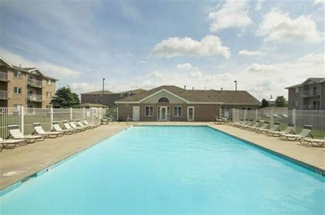 highlands pool lincoln ne highland view apartments apartments in lincoln ne 68521