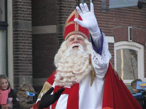 Santa Claus Sinterklas amsterdam mayor was right to licence sinterklaas parade