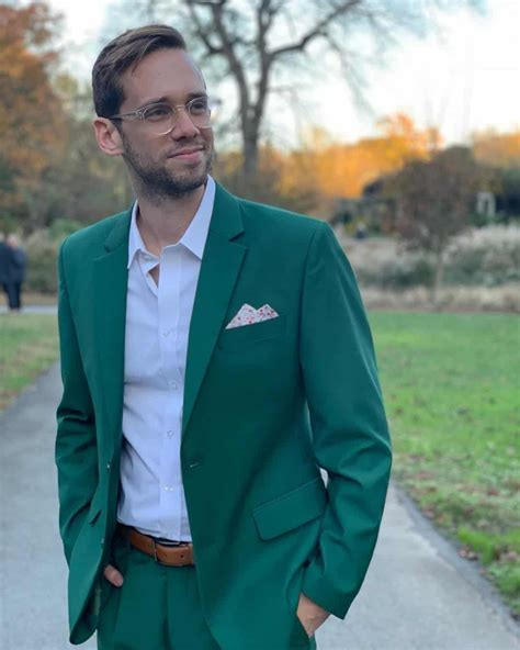 Wedding suits for men 2019: New trends and ideas for mens