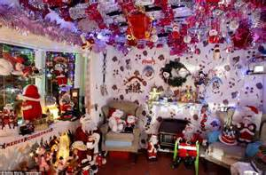 Bass Pro Home Decor by Christmas Mad Pensioners Spend 163 10 000 Transforming Their