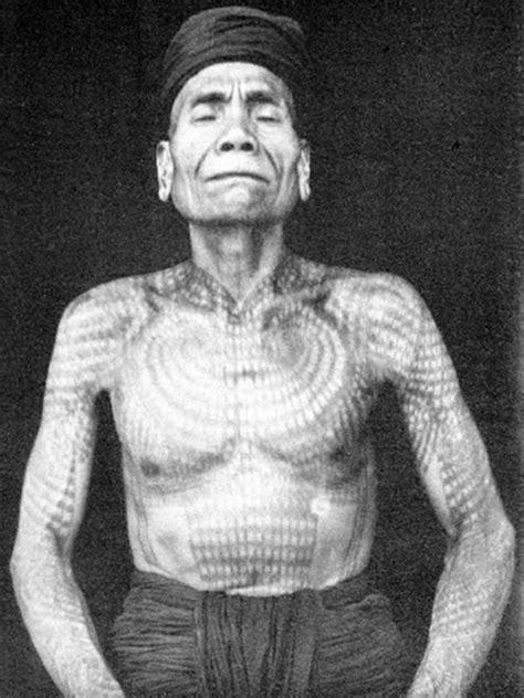 tato dayak modern potret indonesia di awal abad 20 zodiac bintang com