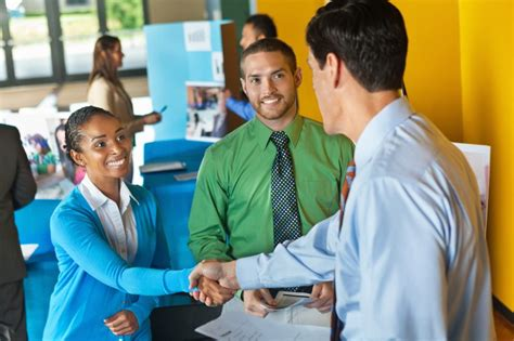 What recruiters notice about you first workopolis