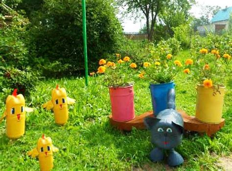 Plastic Yard Decorations - how to recycle plastic bottles for colorful handmade yard