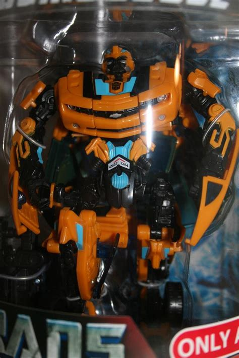 Transformers Deluxe Exclusive Canister Bumblebee transformers toys 2007 allspark bumblebee target exclusive deluxe class figure
