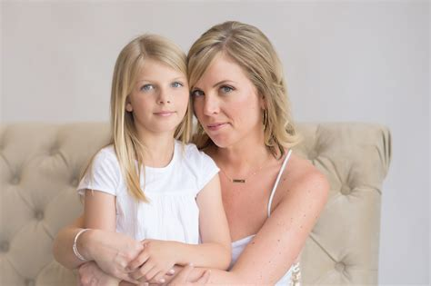 mother daughter portraits rya  beauty