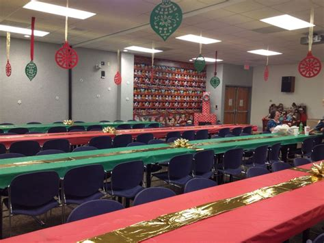 themes for christmas celebrations at office table decorations for office psoriasisguru