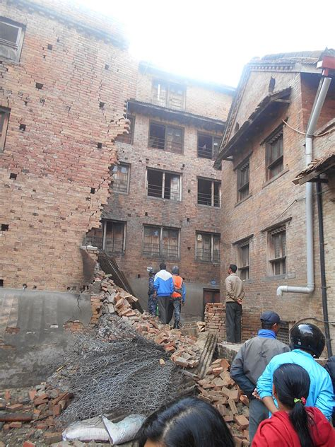 2015 nepal earthquake simple english wikipedia the free file earthquake nepal 2015 38 jpg wikimedia commons