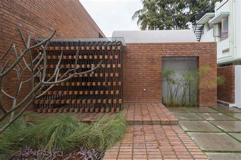 brick pattern house alireza mashhadimirza galeria de casa de tijolos architecture paradigm 1