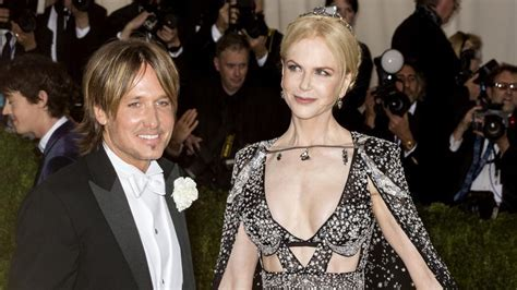 Is ?controlling? Nicole Kidman silencing husband Keith