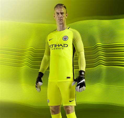 Tshirt Kaos Bayer Leverkusen manchester city 16 17 goalkeeper kit released footy