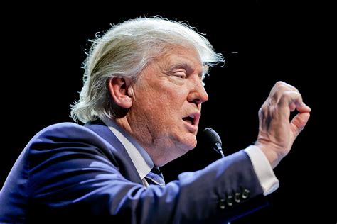 donald trump hand gestures hand to the chief candidates gestures vary greatly