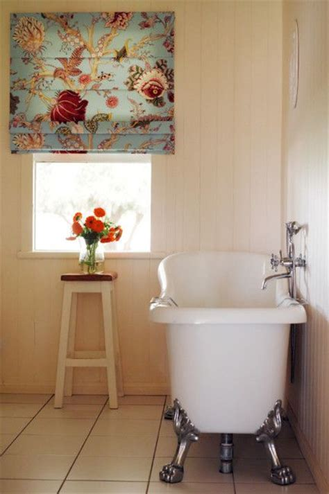 How To Clean Blinds In The Bathtub by Floral Blind In Bath Textile