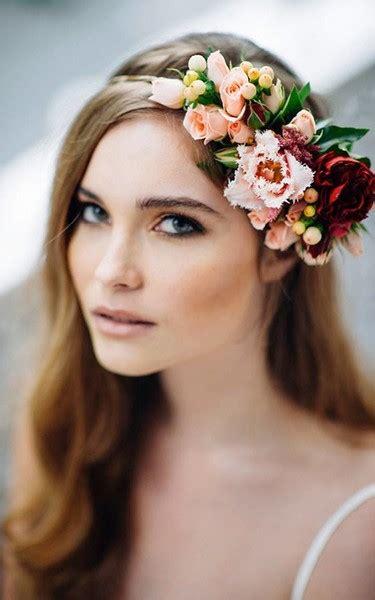 acconciature sposa con fiori acconciature sposa capelli sciolti con fiori